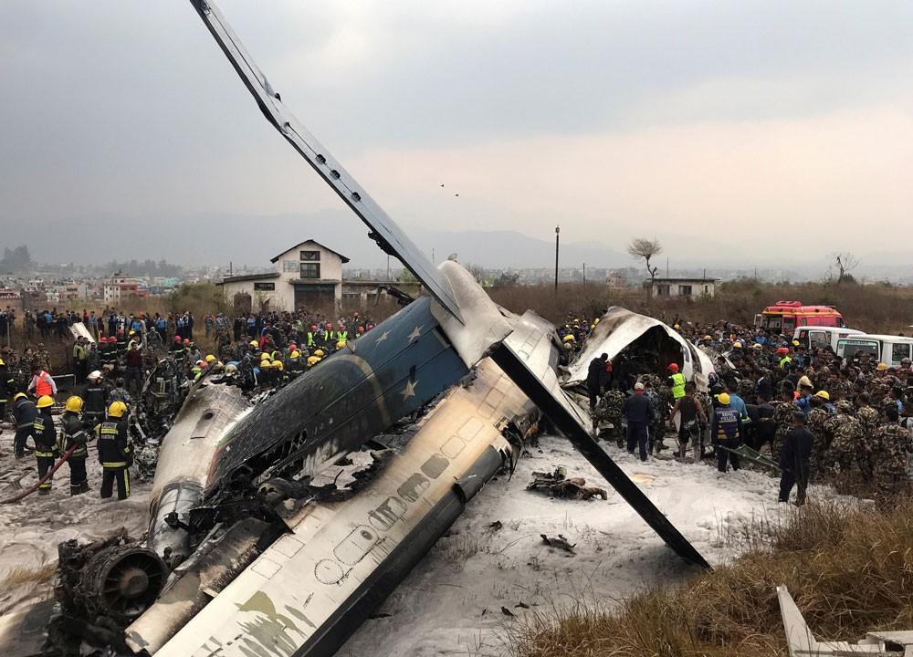 مقتل العشرات في تحطم الطائرة البنغالية في كاتماندو