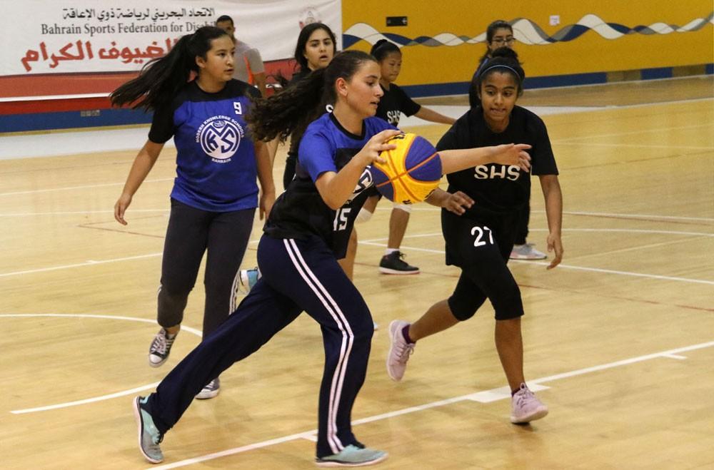 مدرسة القلب المقدس تصل بفريقين إلى ربع نهائي السلة