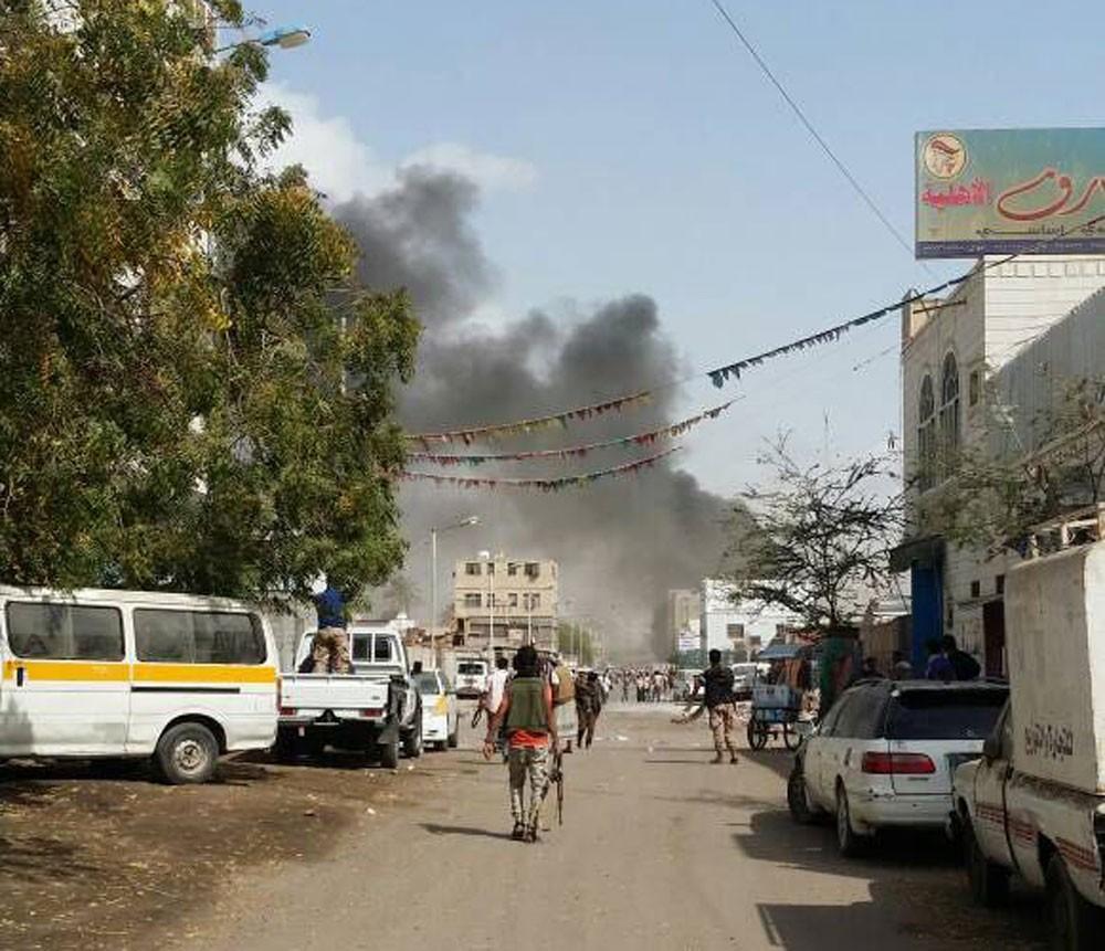اليمن.. انفجار سيارة مفخخة بالقرب من موقع عسكري بعدن