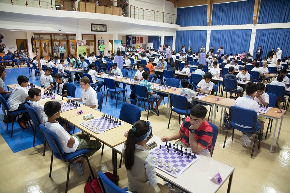 الشيخ سلطان رئيس الاتحاد الآسيوي يرعى بطولة المدارس الثانية للشطرنج