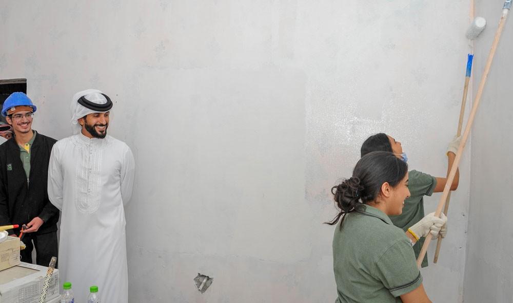 ناصر بن حمد: ريفيا لترميم البيوت القديمة مشروع مبتكر بالعمل الطلابي الخيري