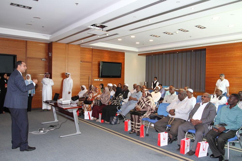 وفد نقابي سوداني يبحث أوضاع العمالة ويطلع على تجربة سوق العمل البحرينية