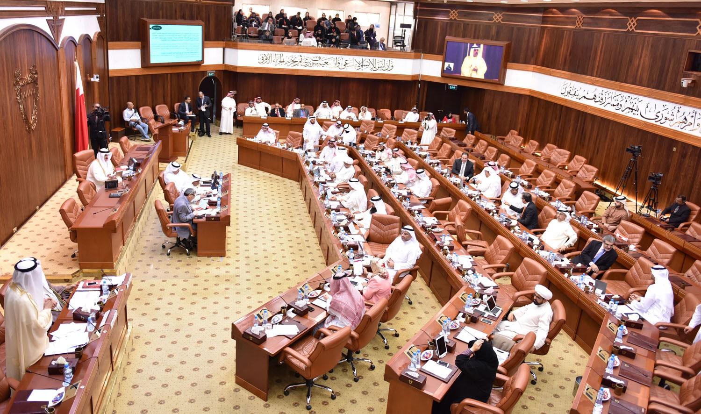 """مجلس النواب يقر تعديلات على """"المرور"""" و"""" مزاولة مهنة الطب البشري والأسنان"""""""