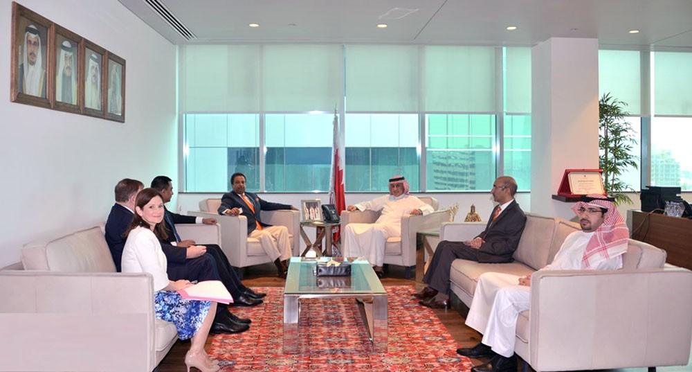 وزير الصناعة يؤكد ترحيب البحرين بكافة الاستثمارات