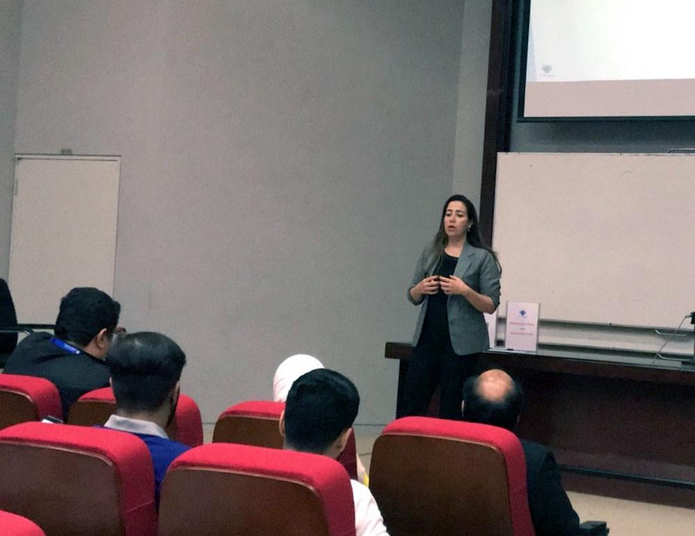 جامعة البحرين تدرب طلبتها لنيل درجة مستشارين في الشركات الرائدة