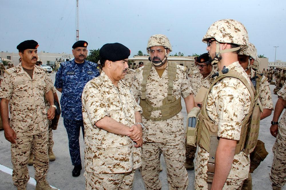 المفتش العام يتفقد إحدى وحدات قوة دفاع البحرين