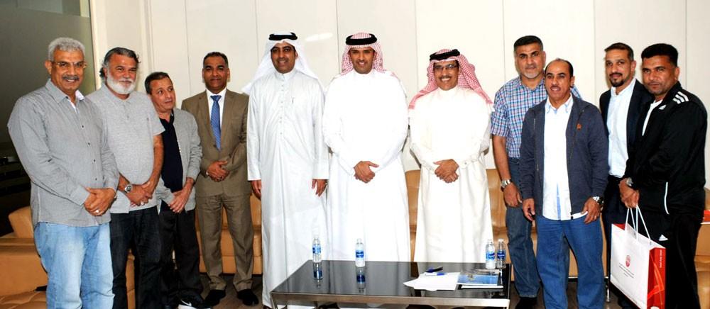 لجنة التدريب والتطوير تستعرض الزيارات الميدانية الثانية للفئات