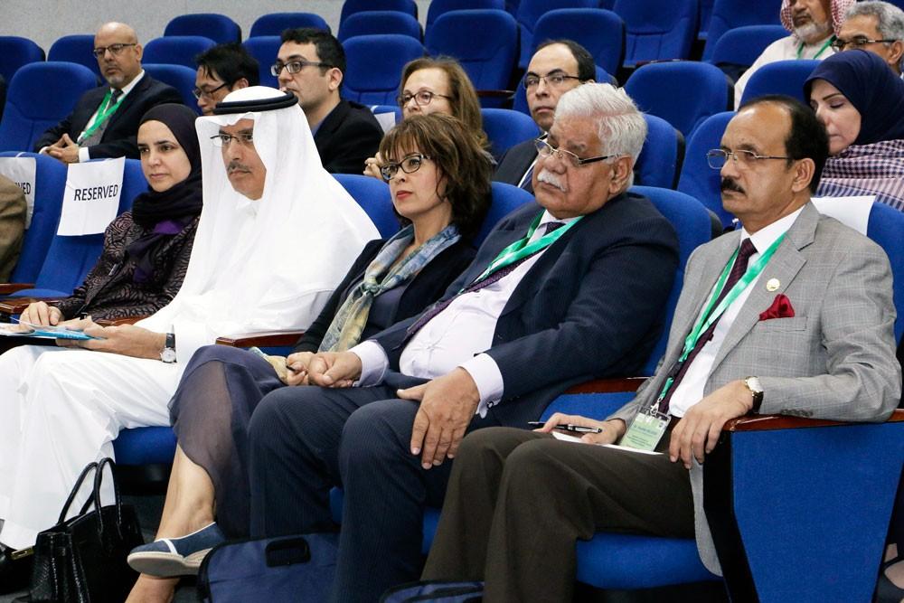 """""""جامعة الخليج"""" و """"الدولي للزراعة الملحية"""" يجمعان خبرات التغير المناخي وتملح التربة"""