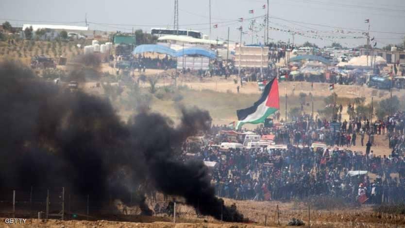 مقتل فلسطيني وإصابة المئات في مواجهات غزة