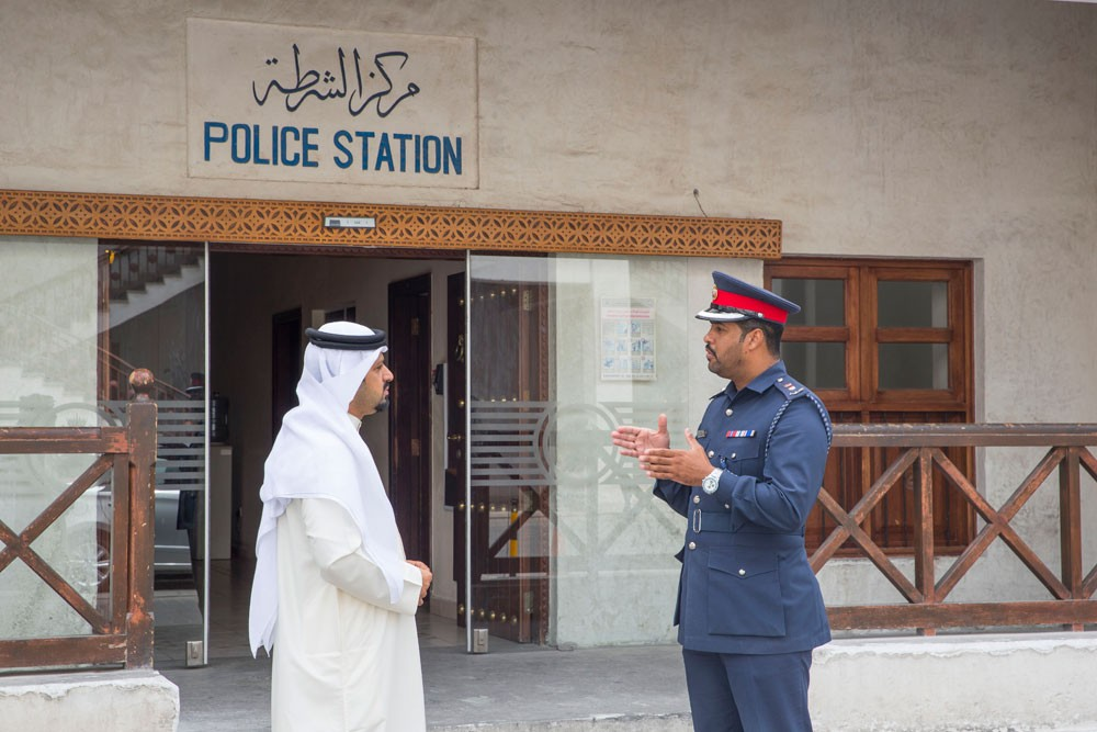 نقطة شرطة باب البحرين: دور رئيسي في دعم السياحة وتأمين السوق التجاري