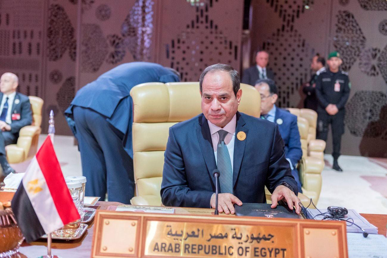 السيسي: مصر لن تقبل بقيام عناصر يمنية بقصف السعودية