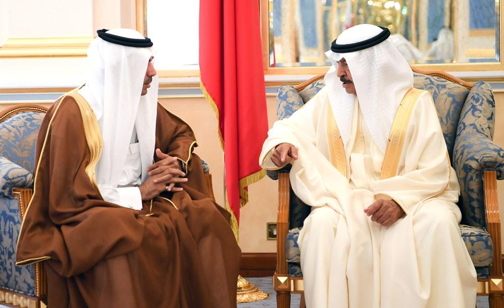سمو رئيس الوزراء ينوه بالتنوع والثراء الفكري والانتاج الغزير الذي تتسم به الصحافة السعودية