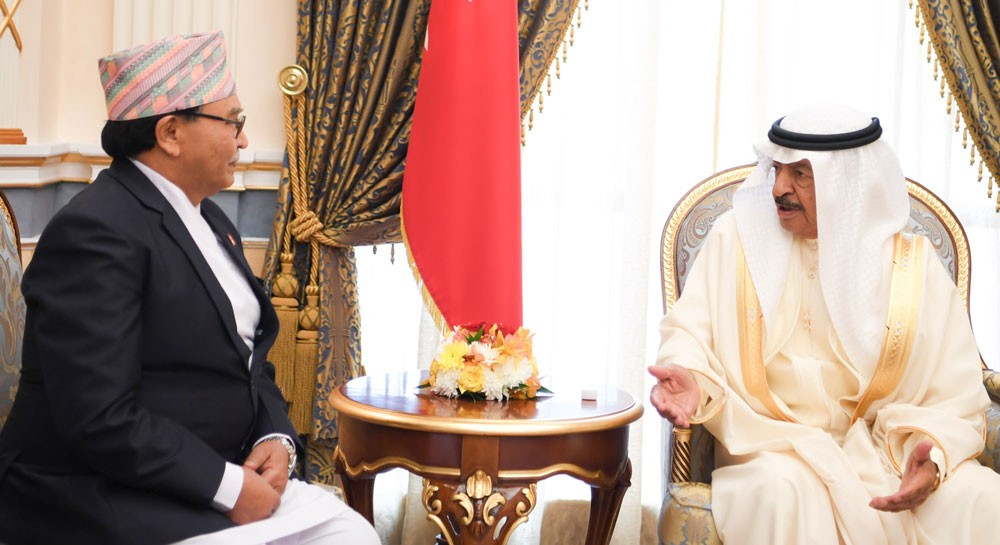 سمو رئيس الوزراء يستقبل السفير النيبالي ويشيد بدور الجالية