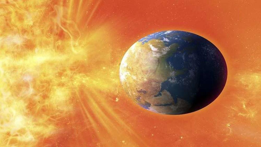 """ثقب هائل في الشمس قد يُحدث """"آثارا مدمرة"""" على الأرض"""
