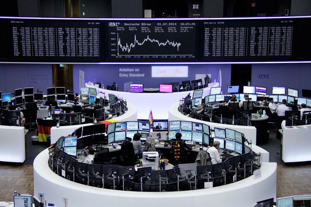 الأسواق الأوروبية تنخفض قبل عقوبات أمريكية جديدة على روسيا