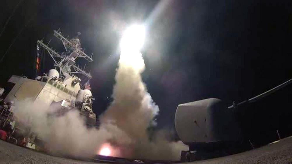 """البنتاغون لا يستبعد """"دولة ثالثة"""" بالهجوم الصاروخي في سوريا"""