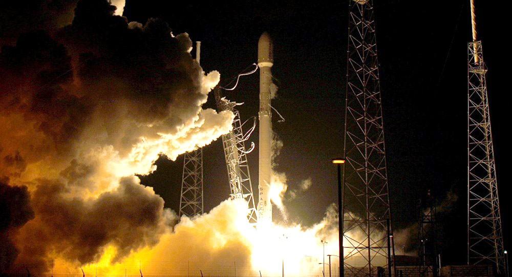 """سبيس إكس ترجئ إطلاق الصاروخ """"فالكون9"""" لمشكلات فنية"""
