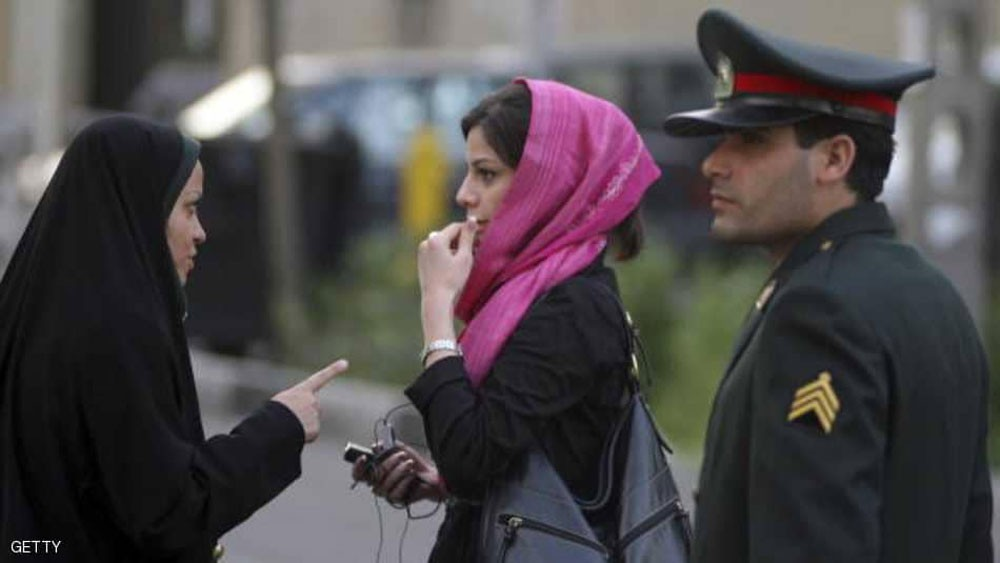 نواب إيرانيون ينتقدون حملة قمع نشطاء ومسؤولي البيئة