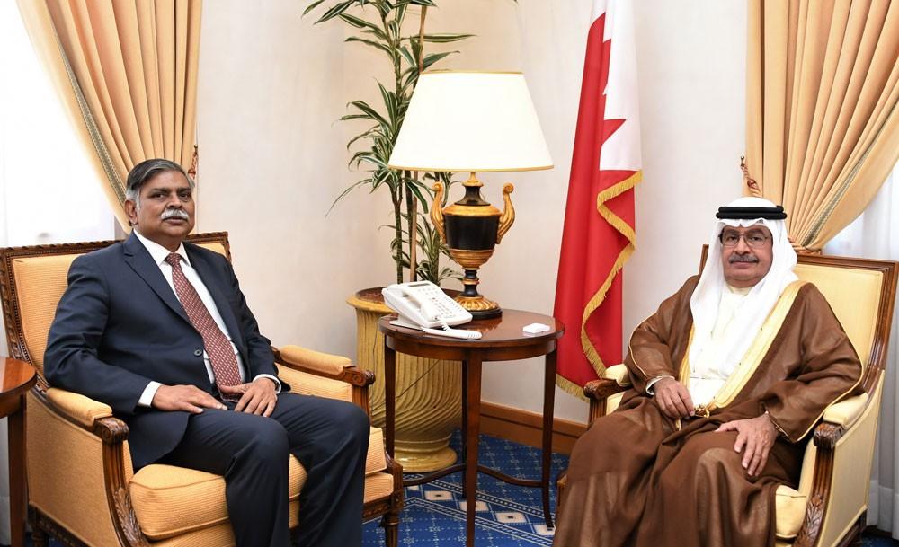 سمو الشيخ علي بن خليفة آل خليفة يستقبل السفير الهندي