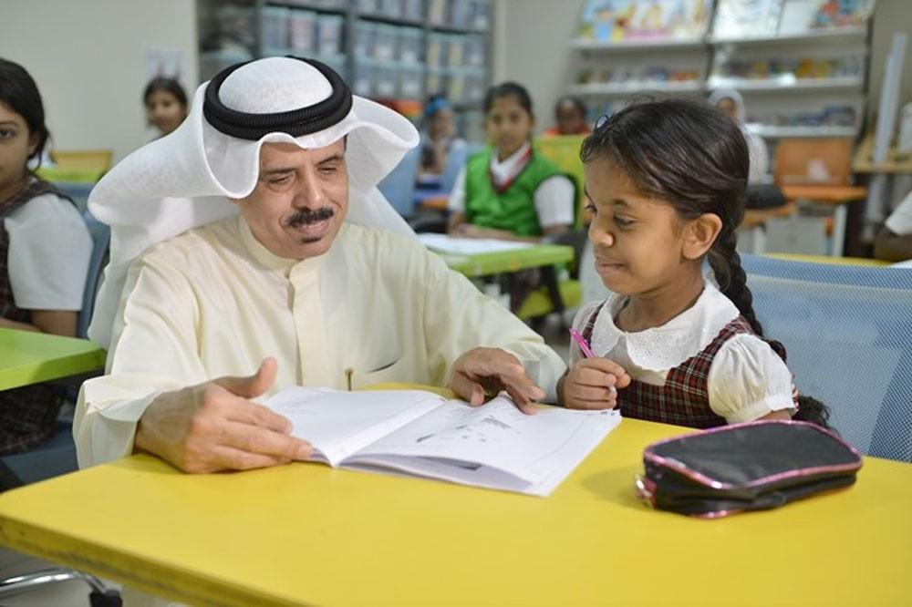 وزير التربية يتفقد سير الامتحانات الوطنية لطلبة السادس الابتدائي