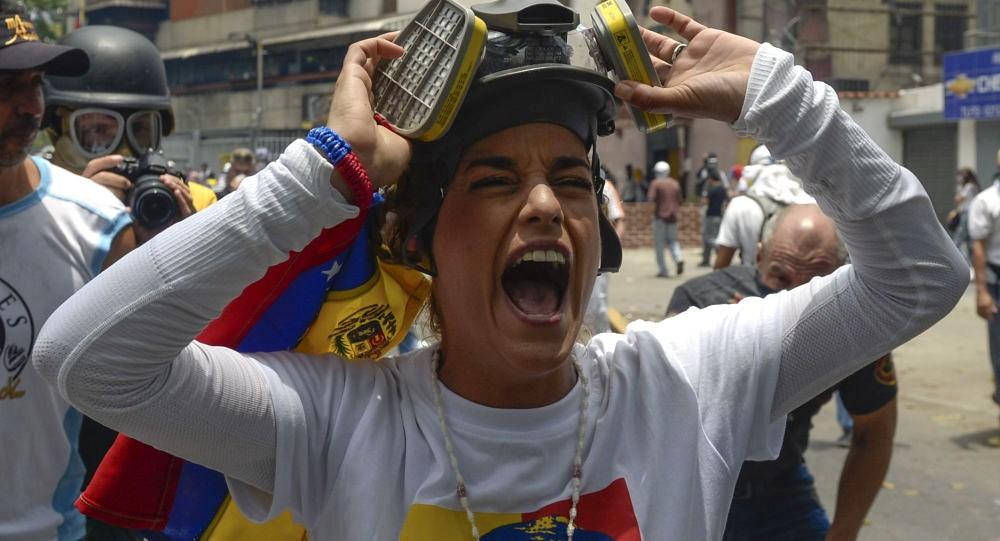 معدل التضخم في فنزويلا تجاوز 13000 بالمئة