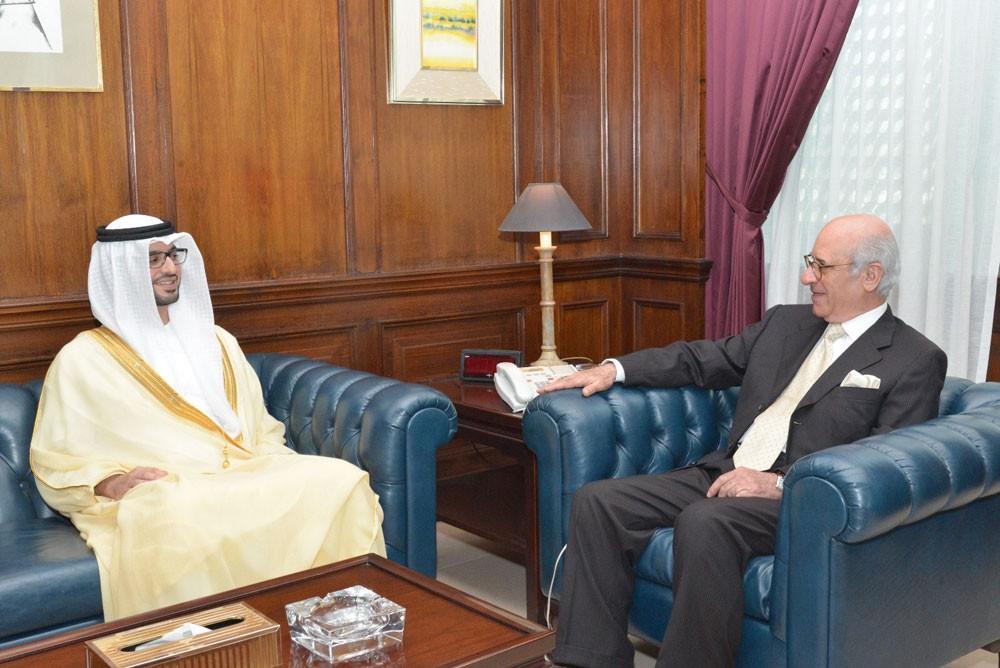 وزير شؤون مجلس الوزراء يستقبل سفير دولة الامارات العربية المتحدة الشقيقة لدى المملكة