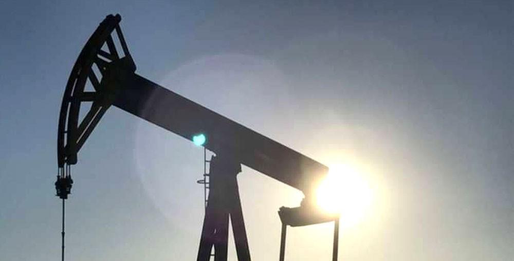 النفط يهبط.. مع ارتفاع أنشطة الحفر الأميركية