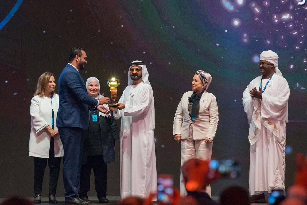 محمد بن راشد يكرم صناع الأمل في الوطن العربي