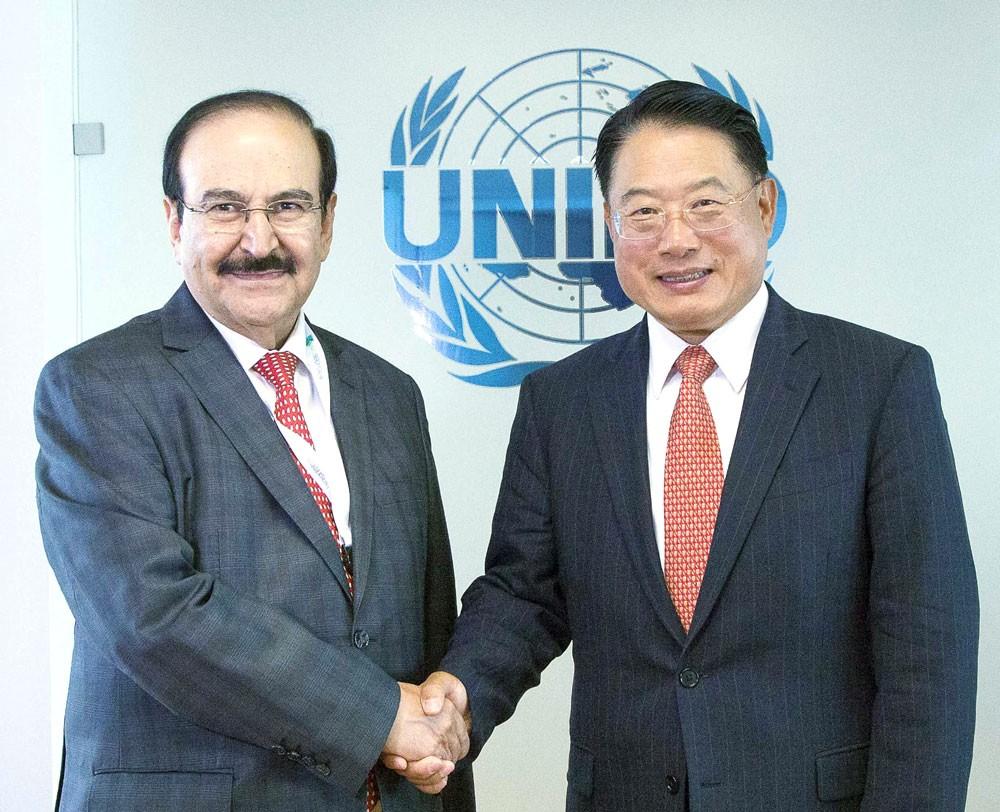 ميرزا يجتمع مع مدير عام منظمة الأمم المتحدة للتنمية الصناعية