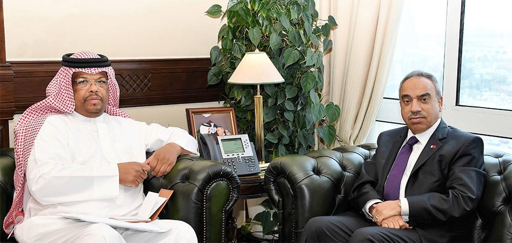 الوزير خلف يبحث مع النائب بومجيد وممثلي المجتمع المدني بأم الحصم المواضيع المتعلقة بالمنطقة