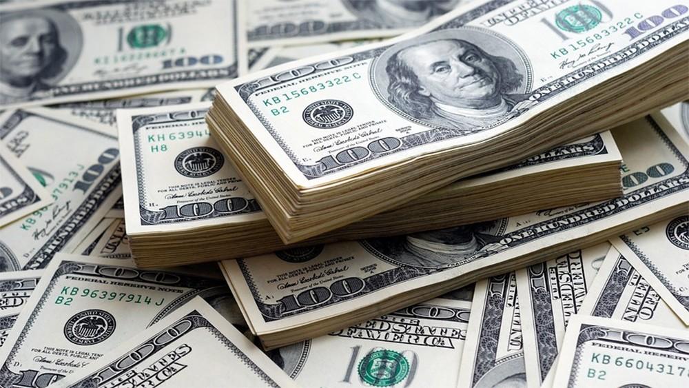 الدولار قرب أعلى سعر في 5 أشهر بفعل ارتفاع عوائد السندات