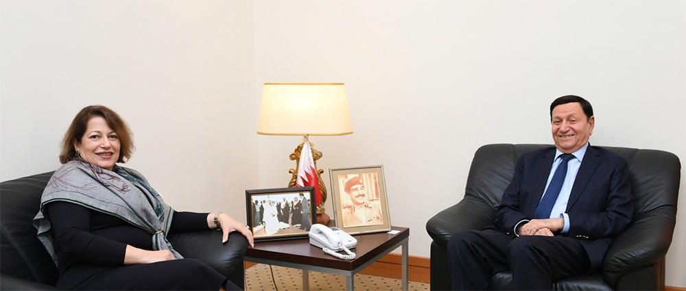 مستشار جلالة الملك للشئون الاقتصادية يبحث مع سفيرة مصر التعاون المشترك