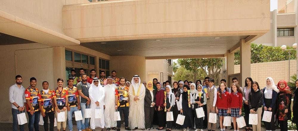وزير التربية والتعليم يكرم الطلبة الفائزين في المسابقات المحلية والخارجية