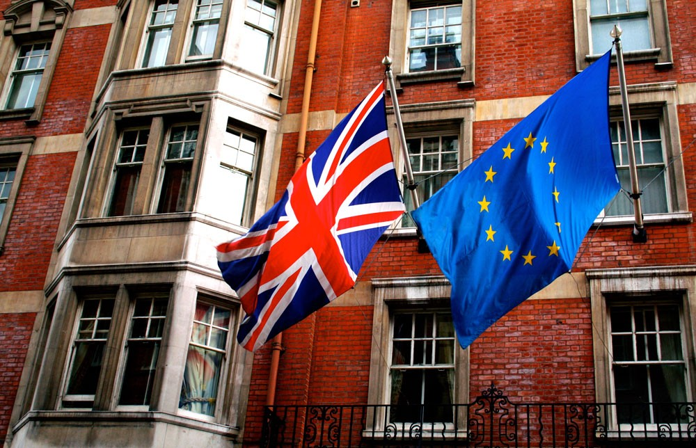 بريطانيا تدرس تمديد الترتيبات الجمركية مع الاتحاد الأوروبي