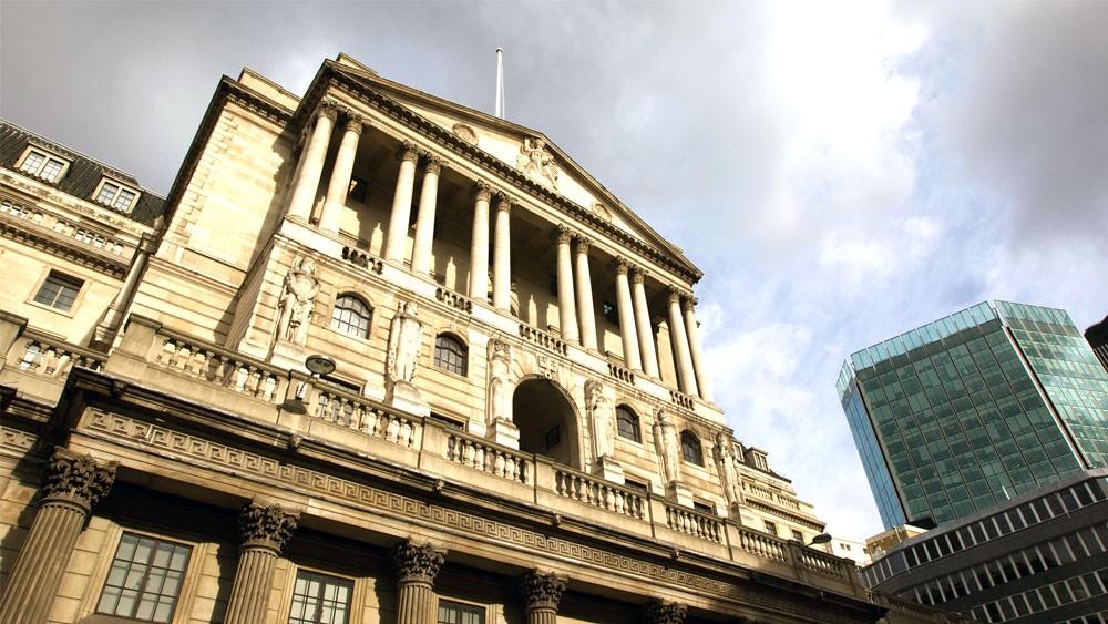 بلومبرغ: المركزي البريطاني سيرفع الفائدة مرة على الأقل
