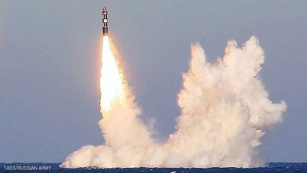 """غواصة نووية روسية تجري تجربة صاورخية """"رباعية"""""""