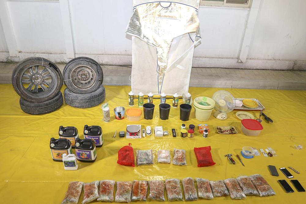 القبض على عصابة لتهريب وترويج مواد مخدرة تزيد قيمتها عن مائة ألف دينار