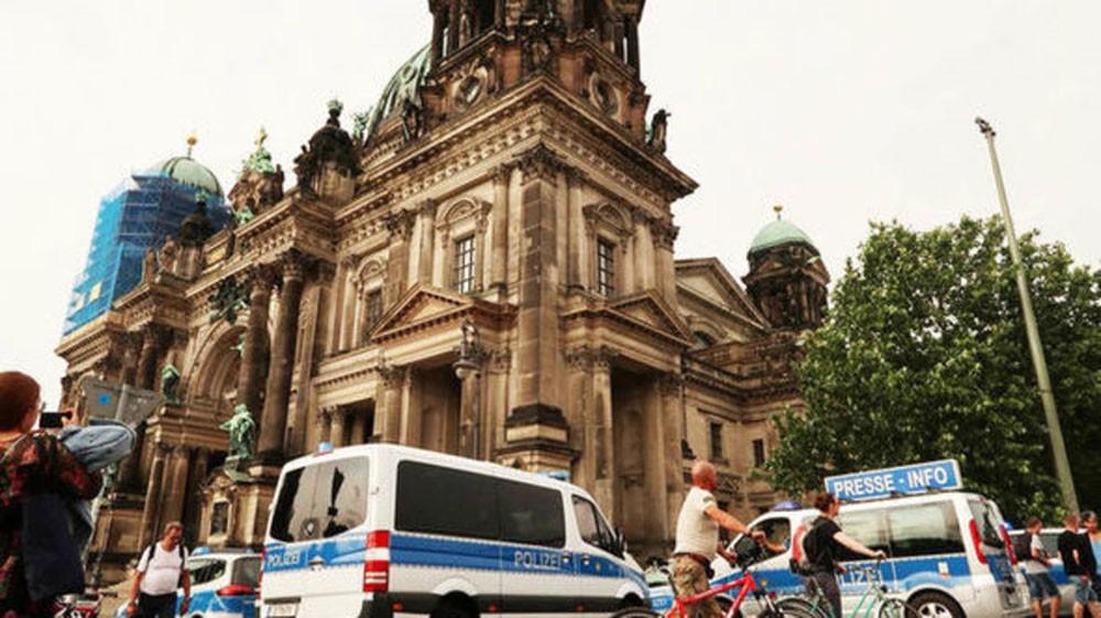 شرطي ألماني يطلق النار على رجل عند كاتدرائية برلين