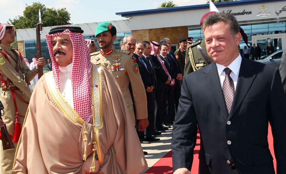 جلالة الملك يجرى اتصالا هاتفيا بأخيه العاهل الأردني