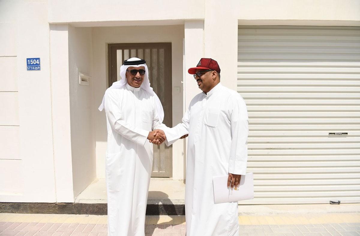 """وزير الإسكان يتفقد نسب الإنجاز بالمرحلة الأولى لـ """"مدينة خليفة"""""""