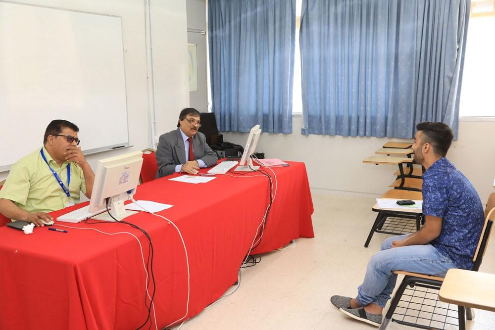 جامعة البحرين تواصل إجراء المقابلات الشخصية للطلبة الراغبين في الالتحاق بها