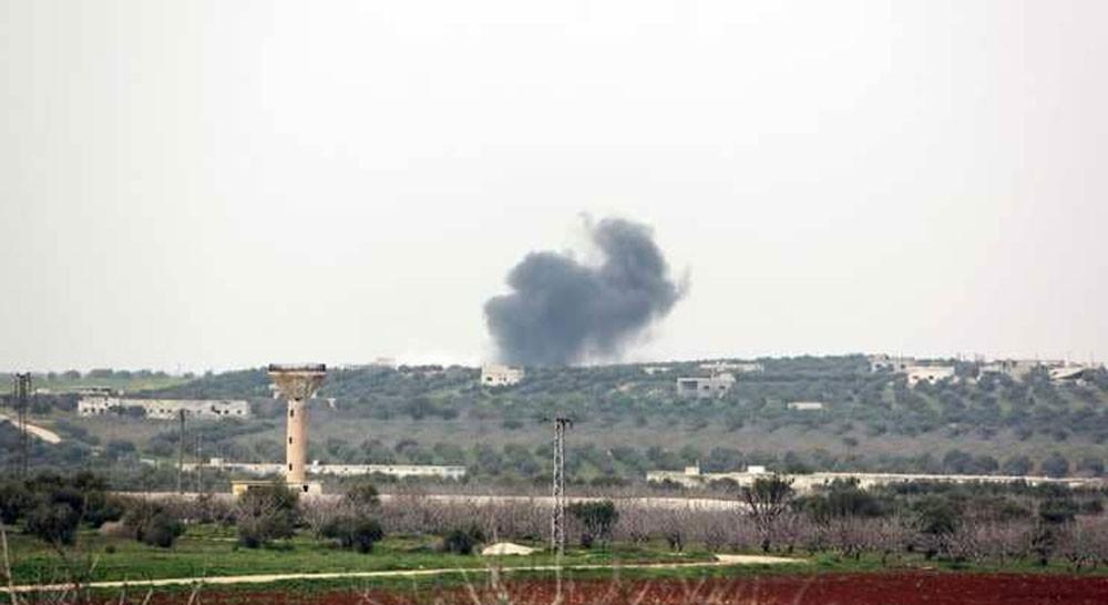 قتلى وجرحى بقصف استهدف مركز إغاثة وسط سوريا