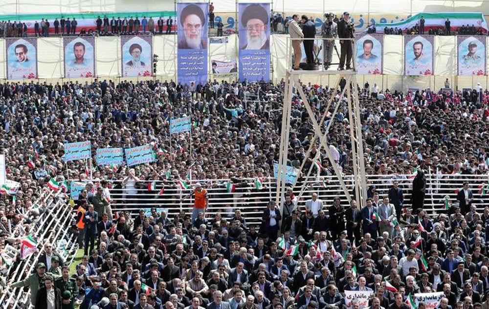 صحيفة سويسرية تتوقع: أوضاع إيران تنذر بانفجار