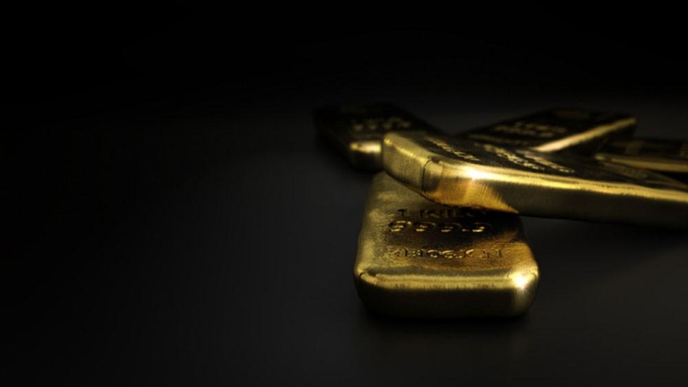 الذهب ينزل بفعل قوة الدولار بعد اجتماع ترمب وكيم
