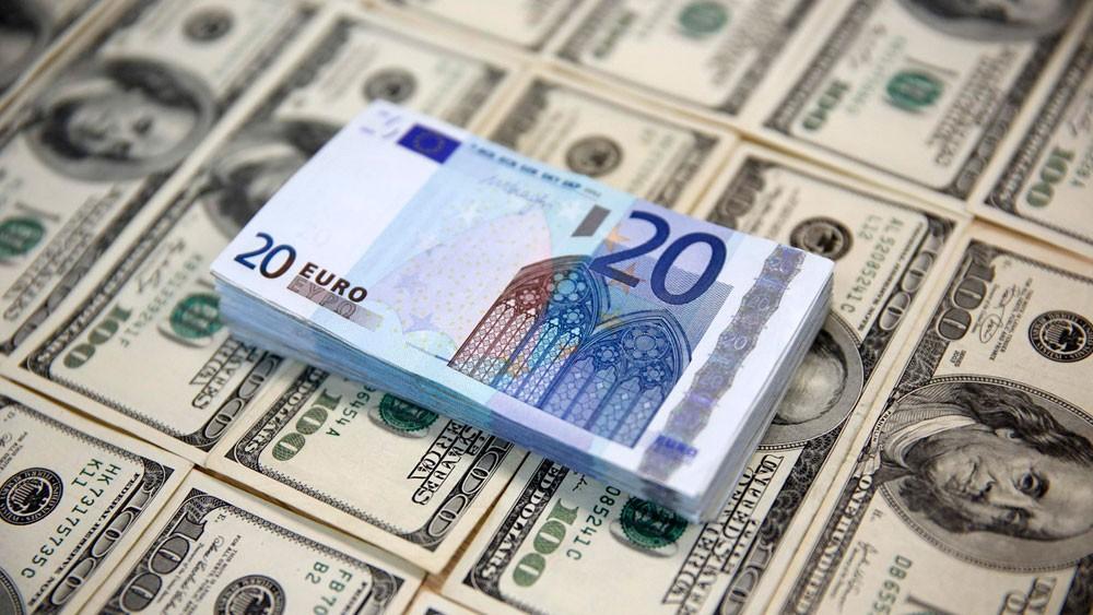 الدولار يواصل ارتفاعه بعد قمة تاريخية بين ترمب وكيم