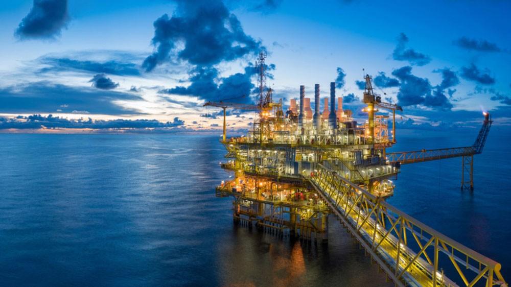 النفط يرتفع مع إشادة ترمب باجتماع إيجابي مع كيم