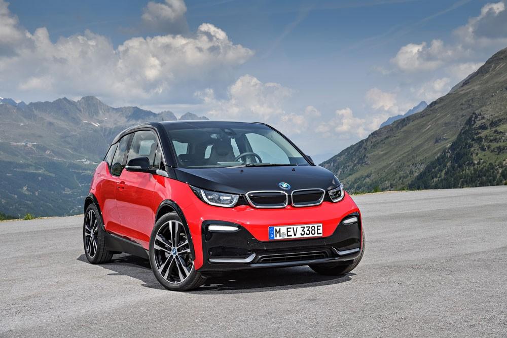 BMW تسلّم أكثر من مليون سيارة في الأشهر الخمسة الأولى من 2018