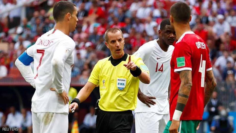 """الفيفا ينفي """"واقعة"""" رونالدو وحكم مباراة المغرب"""