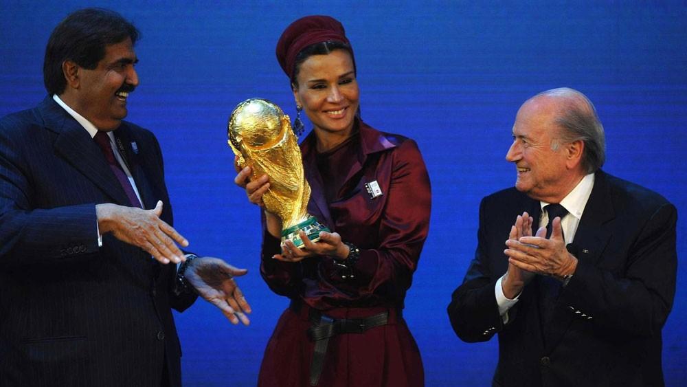 بلاتر يؤكد: التدخلات السياسية منحت قطر مونديال 2022