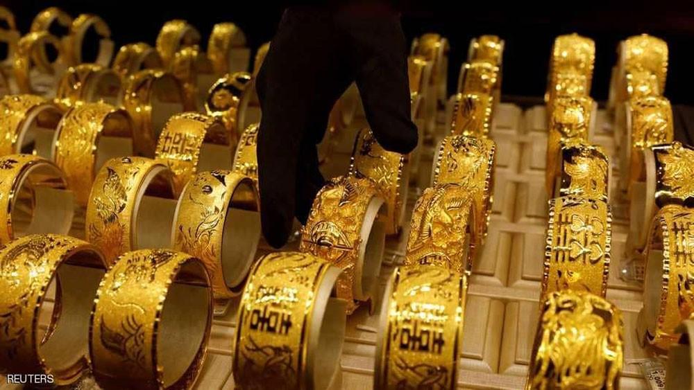 الذهب يهبط مع ارتفاع الدولار